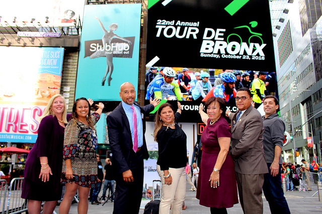 Mark Derho bke rental tour de bronx